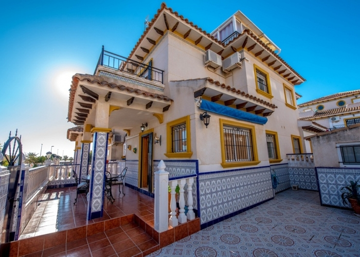 Long Term Rentals - Chalet semi detached - Orihuela Costa - Punta Prima