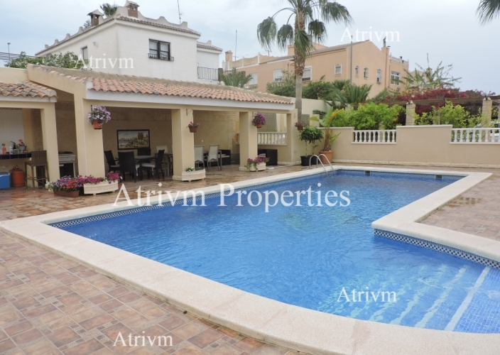 Location - Detached Villa - La Marina