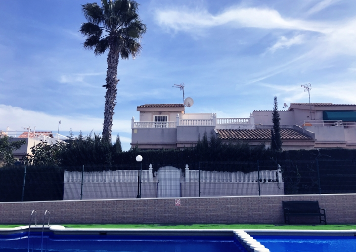 Alquiler larga estancia - Semi Detached House - Orihuela Costa - Los Altos