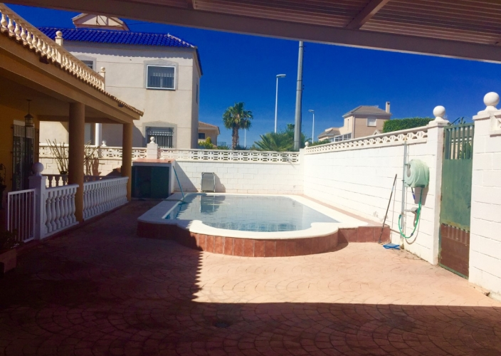 Alquiler larga estancia - Chalet - El Altet - Playa del Altet